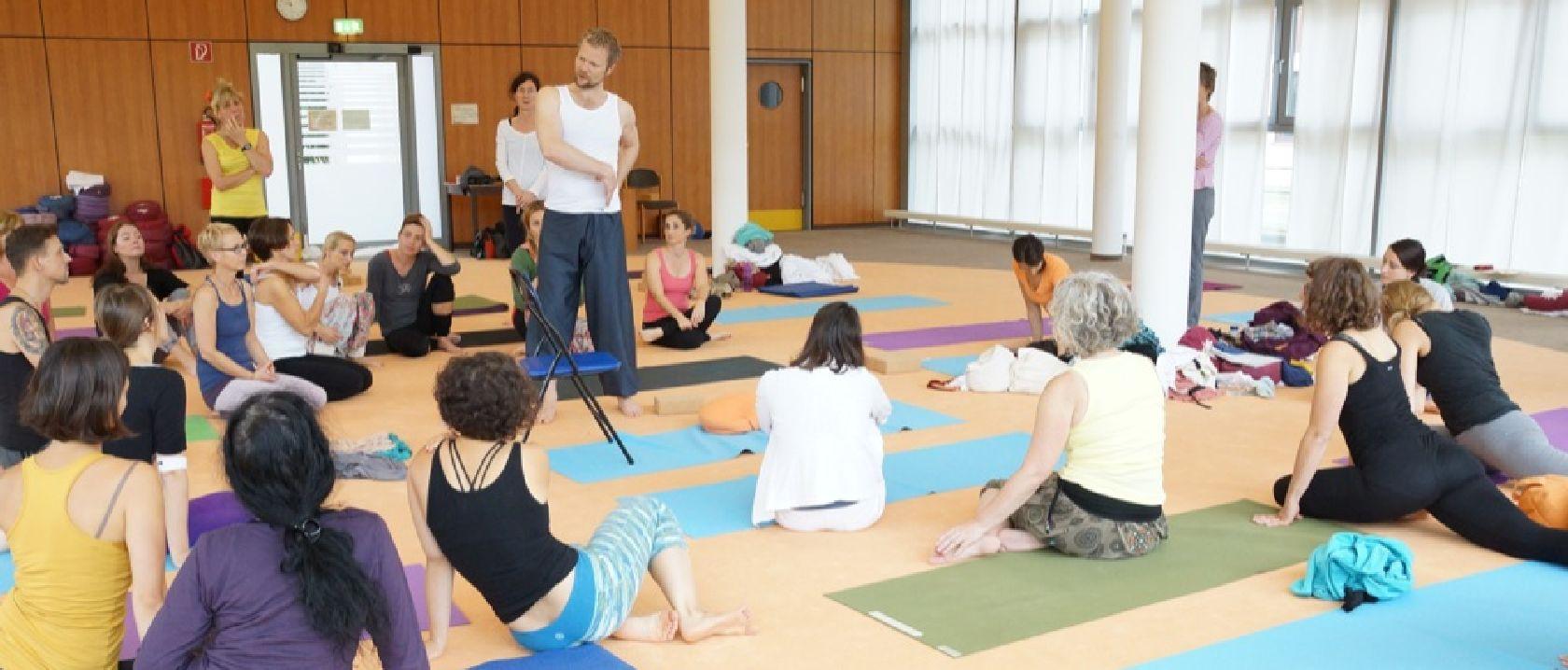 Yogalehrer Ausbildungen